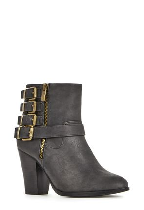 BS1514215-0001 (BLACK) Justfab por 39.95€