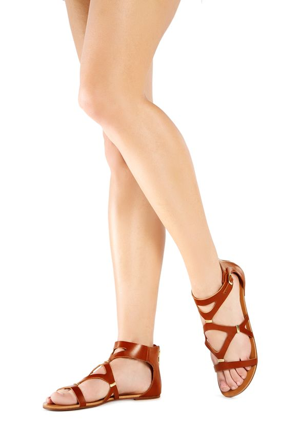 Mode, Galopines & Co : ici les stilettos, sneakers, bodycon, peplum... n'auront plus de secret pour vous ! - Page 6 FA1510322-2640-6_589x860