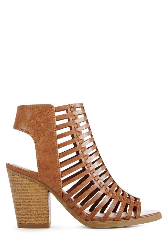 Mode, Galopines & Co : ici les stilettos, sneakers, bodycon, peplum... n'auront plus de secret pour vous ! SA1510049-2640-2_589x860